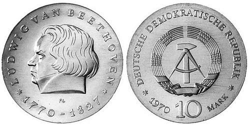 10-mark-ddr-beethoven-1970